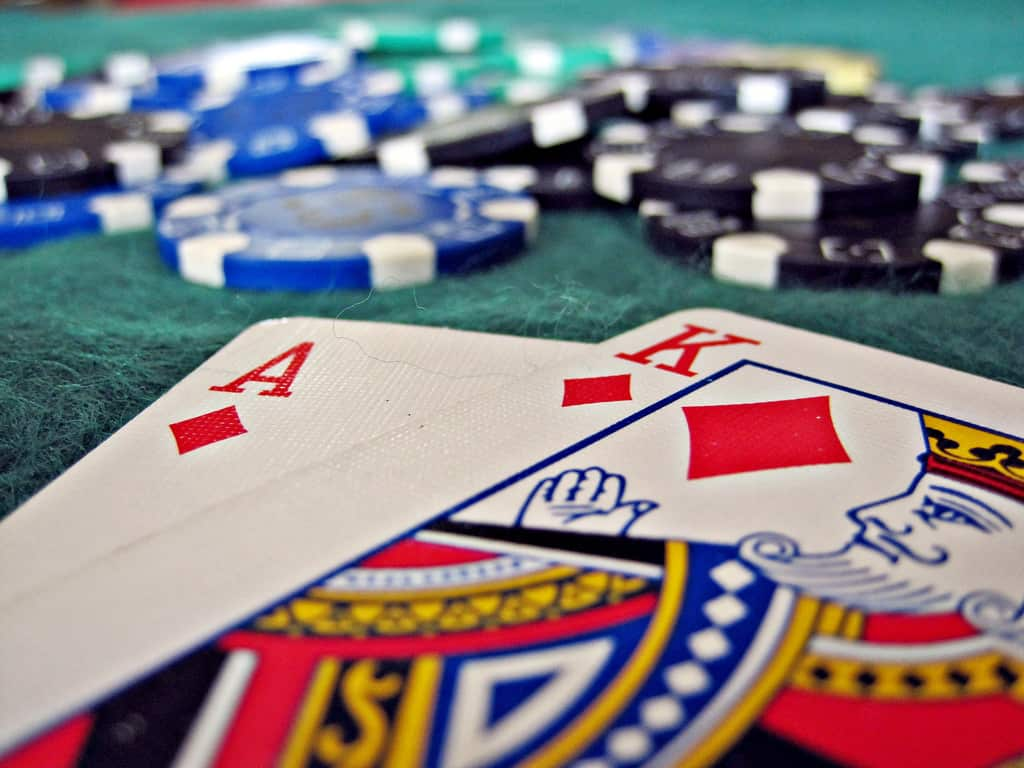 collect bonus cards playing blackjack at LeoVegas and win even more!